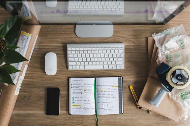 startup-desk_925x
